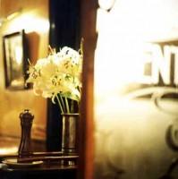 http://www.markhigashino.com/files/gimgs/th-40_flower_2.jpg